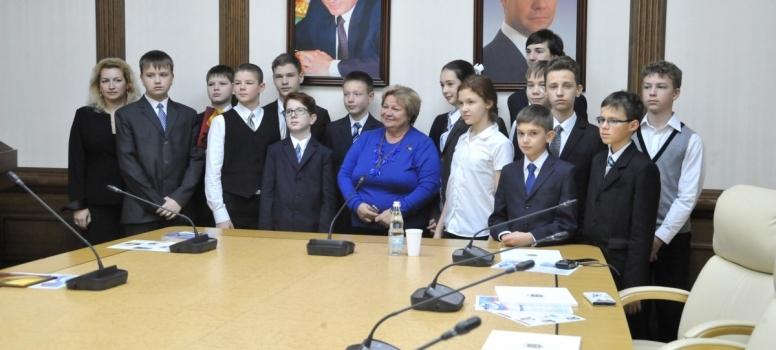 В Мособлдуме прошёл парламентский урок для победителей и участников Международной космической олимпиады школьников «Спутник»